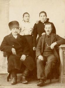 italian_family_russia_1900