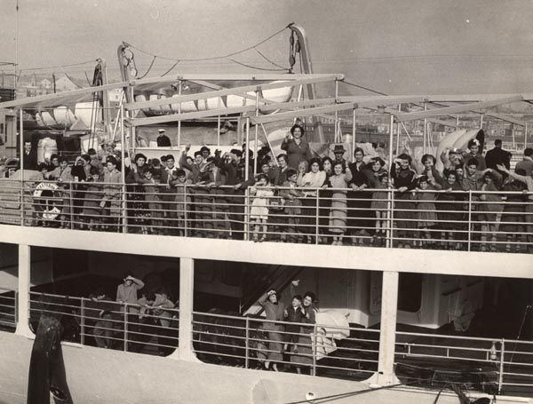 migrants_leaving_naples_late_1950s